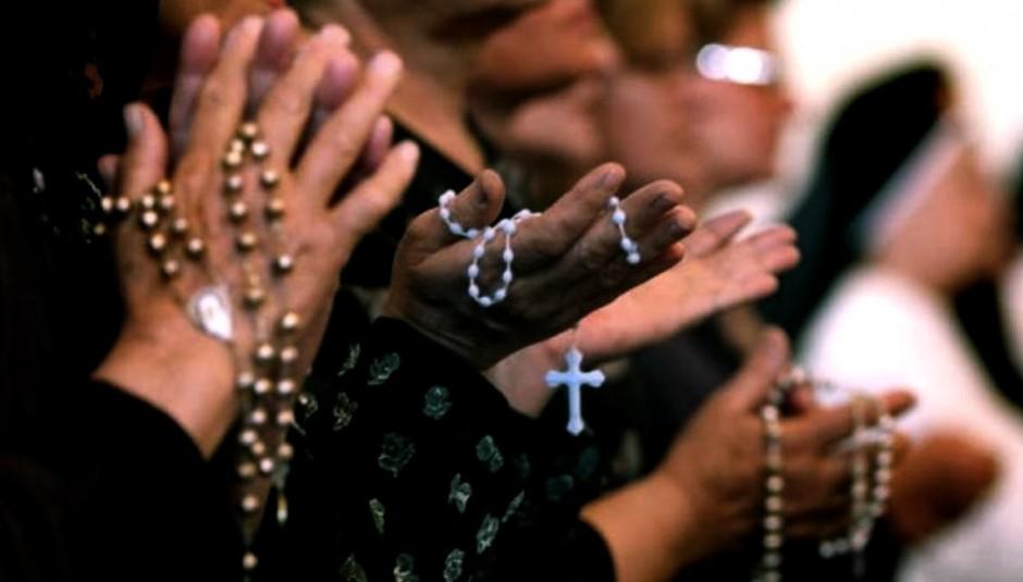 mujeres-rosarios (1)