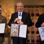 Simón Peres, en la ceremonia de entrega del Nobel de la Paz 1994.