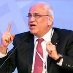 Erekat se olvida del boicot y pide a Israel que le salve la vida