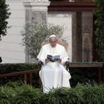 Abás, Peres y Francisco: oración por la paz