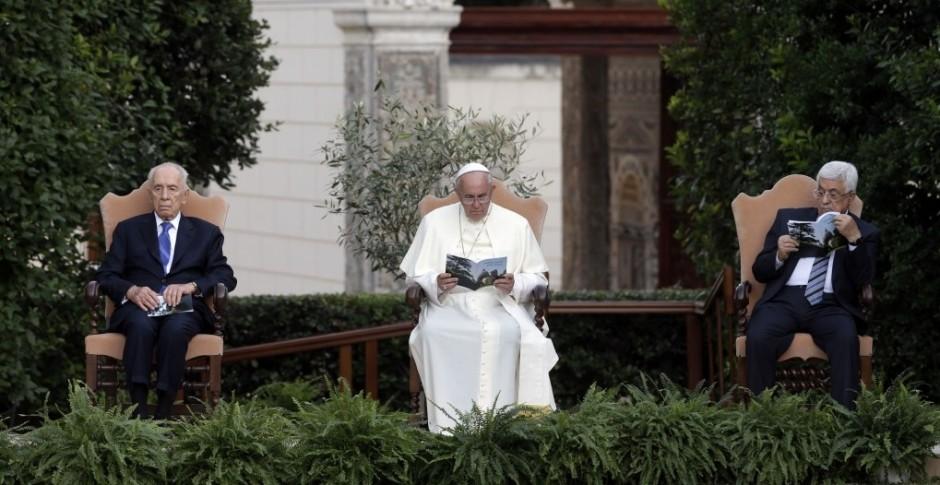 Abás, Peres y e se reunen para rezar por la paz en el Vaticano