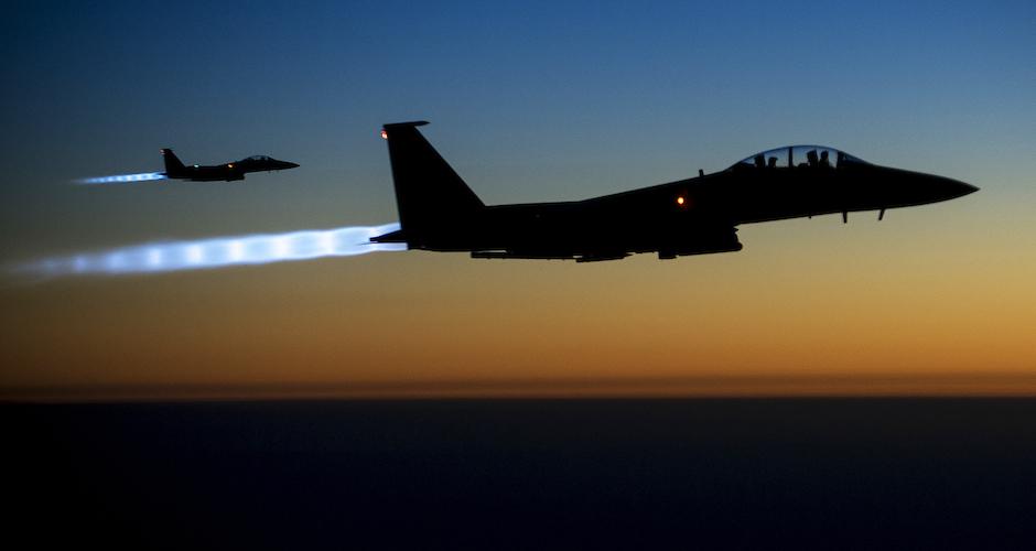 Dos F15 que participan en los ataques estadounidenses contra el Estado Islámico