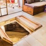 Un baño ritual milenario bajo el salón