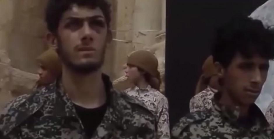 Fotograma de un vídeo que recoge una de las matanzas perpetradas por el Estado Islámico en Palmira.