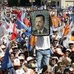 El partido de Erdogan arrasa en las legislativas turcas