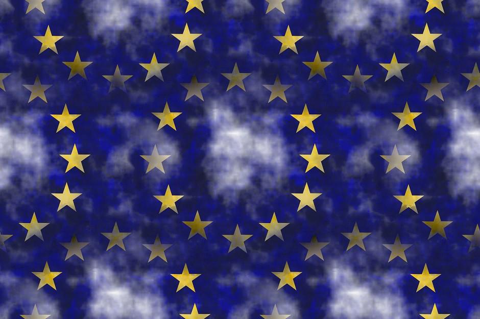 UNIÓN EUROPEA BANDERA BORROSA 940x625