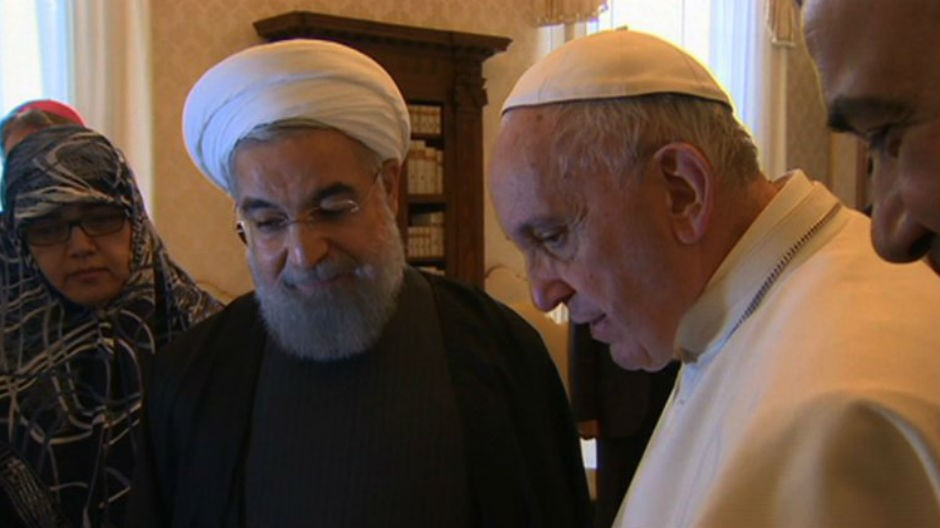 Hasán Ruhaní y el papa Francisco (enero 2016).