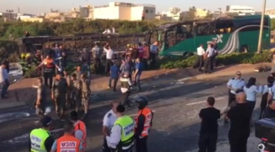 Atentado contra un bus de la línea 12 de Jerusalén, 18 ABR 16.