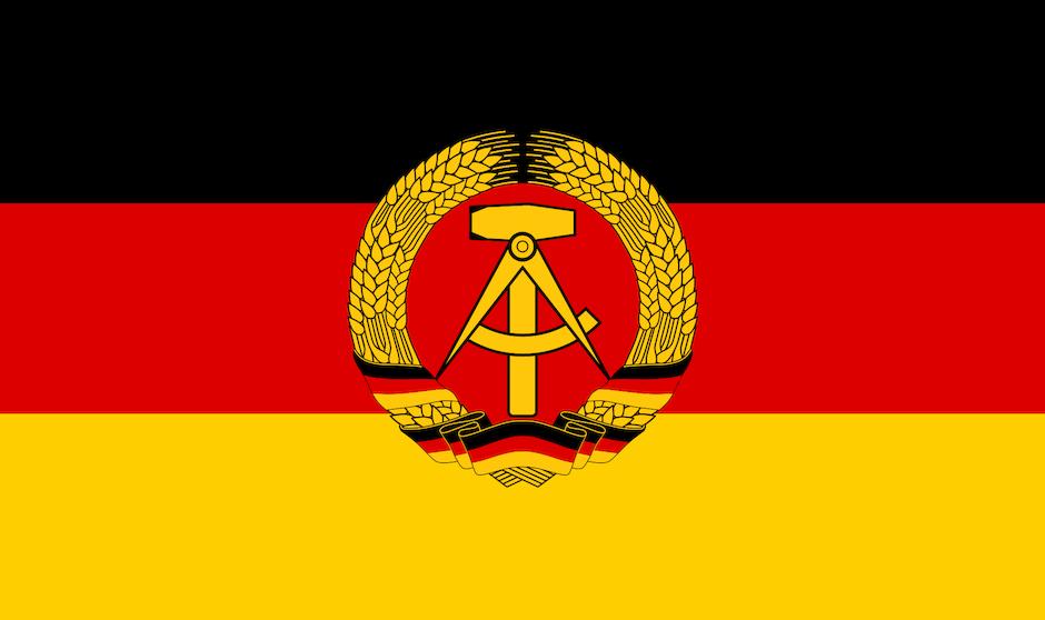 Bandera de la República Democrática Alemana (RDA).