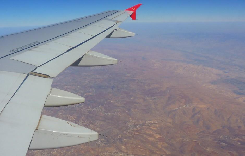 Jordania a vista de pájaro, desde el ala de un avión.