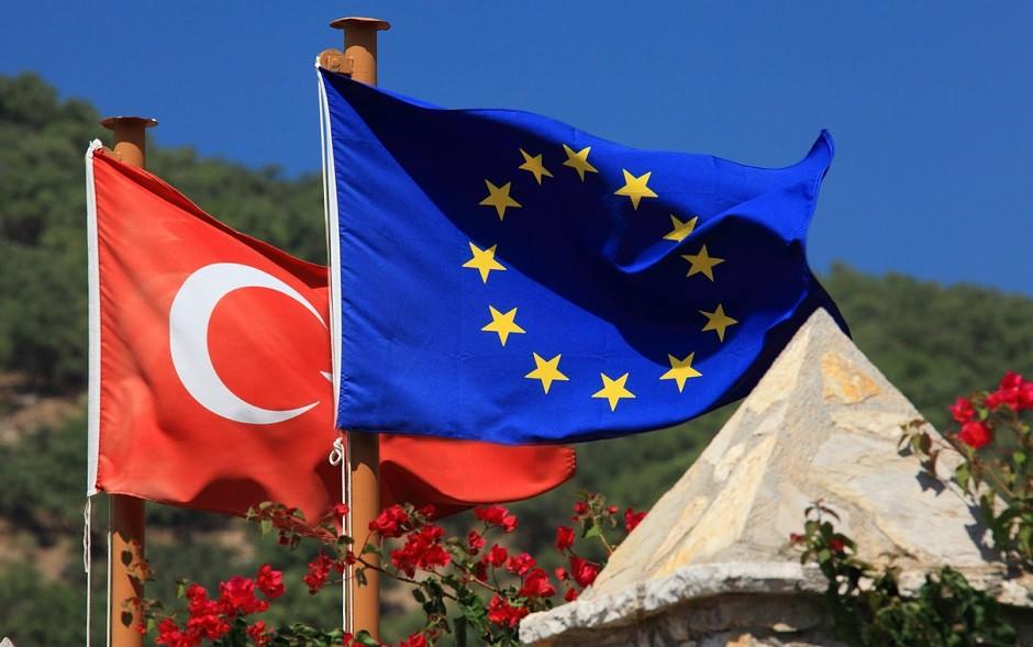 Banderas de Turquía y la UE