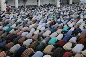 MUSULMANES ISLAM REZANDO