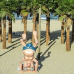 Ben Gurión haciendo el pino en la playa