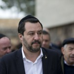 Salvini, con Israel y contra el antisemitismo (el pardo y el rojo)