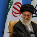 Twitter banea a Trump pero da voz a Jamenei, aspirante a genocida